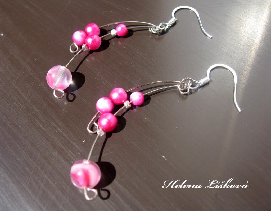 růžové naušničky