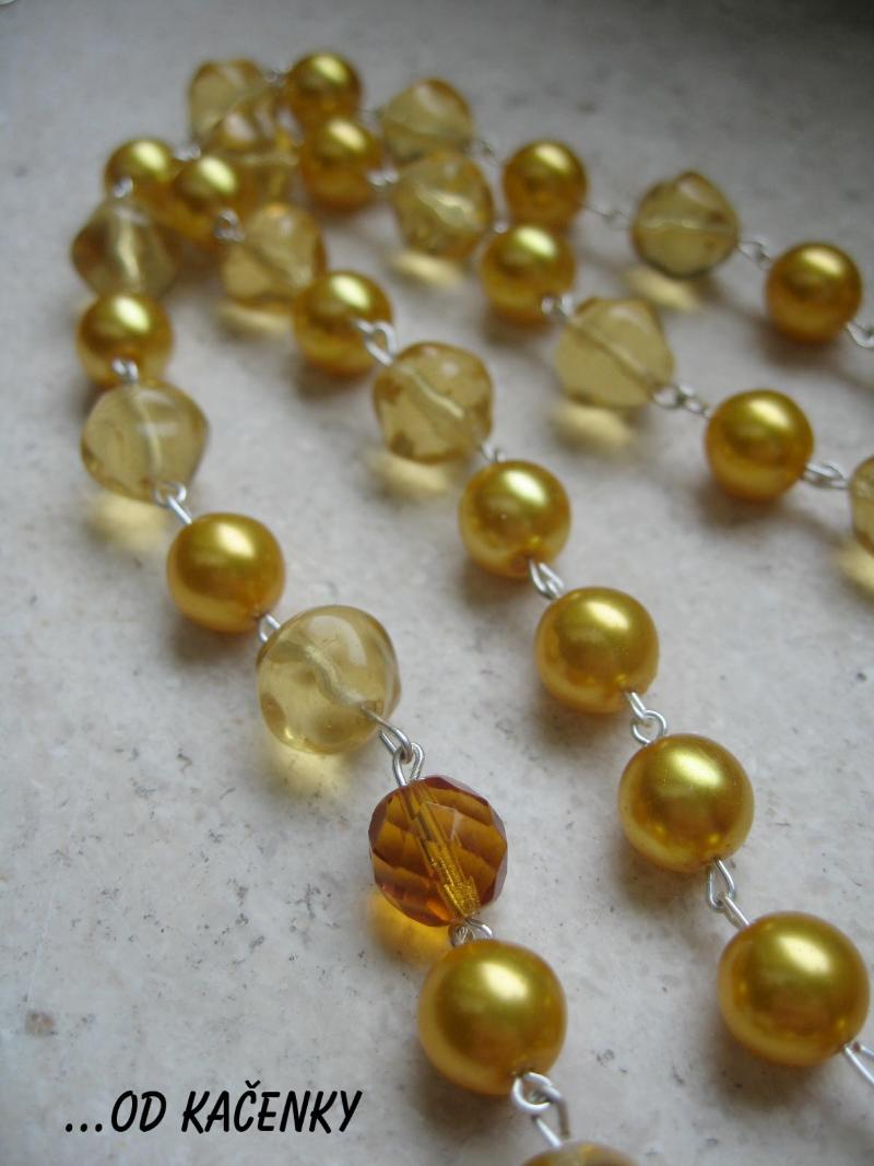 žlutý náhrdelník